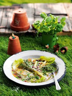 This spring minestrone soup recipe with pesto is bursting with flavour.