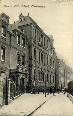 Dame Alice Owen's Girls' School, Owen's Row, in early E. Martineau, architect, What Miss Minchin's Select Seminary For Young Ladies may look like. London Pictures, London Photos, Old Pictures, Old Photos, Vintage London, Old London, East London, London History, Local History
