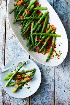Diana Henry's asparagus recipe with harissa butter and coriander gremolata. Rose harissa adds a punchy note to this zingy starter. Vegetarian Cooking, Vegetarian Recipes, Cooking Recipes, Healthy Recipes, Veg Dishes, Vegetable Side Dishes, Rose Harissa, Gremolata Recipe, Harissa Chicken