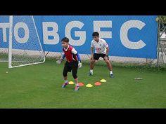 Youth GK Training by Nipon Malanon Soccer Training Drills, Goalkeeper Training, Soccer Workouts, Soccer Drills, Soccer Coaching, Best Football Skills, Soccer Goalie, Netball, Kids Sports