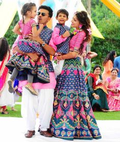 15 Adorable Photos of Kids Coordinating Outfits with the Bride & Groom Mom Daughter Matching Dresses, Mom And Son Outfits, Mom And Baby Dresses, Twin Outfits, Couple Outfits, Matching Family Outfits, Dress Indian Style, Indian Fashion Dresses, Fashion Outfits
