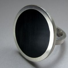VINTAGE / RETRO Big Round Black Cocktail Ring, by Quercus Silver