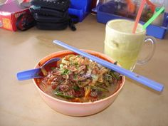 3in1 soup in Sitiawan, mix soup of laksa, prawn mee and curry mee...