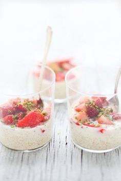 Homemade pudding recipe: Quinoa Pudding dessert at Cannelle et Vanille Quinoa Pudding, Yummy Treats, Yummy Food, Tasty, Just Desserts, Dessert Recipes, Dessert Healthy, Comidas Light, Gastronomia