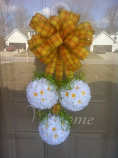 Spring Daisy Door Wreath by Diva Designs by G on Etsy, $40.00