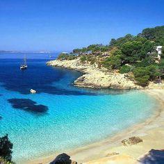 The beautiful blues of the Adriatic coast. Primosten, Croatia AwesomeTravelDestinations.com/travel-club #awesometraveldestinations #travel #croatia #adriaticsea