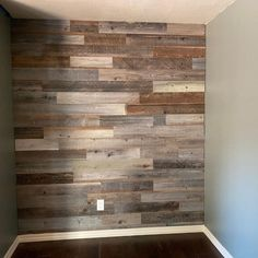 Another completed Weekend Walls Project featuring our Weathered Natural wood color!   #DIYdesign #reclaimedwood #interiordesign #interiordesigninspo #peelandstick #homeinteriors #weekendwalls #homedecor #diydecor #diyremodel #woodpaneling #reclaimedwoodpaneling #madeinamerica #doityourself #diy #design #woodwall #sustainable #homerenovation #naturalbeauty #weatheredwood #designideas #interiordesigner #reclaimedwoodwall #bedroomdesign #finditstyleit #instadecor #diyhomeprojects