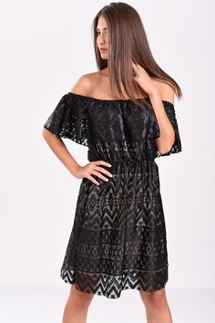 646a73db7760 Φόρεμα με δαντέλα κι ανοιχτούς ώμους μαύρο