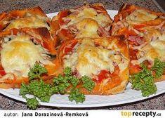 Fofr pizza z toustového chleba recept - TopRecepty.cz Dumplings, Easy Cooking, Lasagna, Baked Potato, A Table, Hamburger, Meal Prep, Sandwiches, Brunch