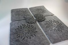 ONLY GREY Placemats and coaster Flames Aster Flower Felt Table Mats Set of 8