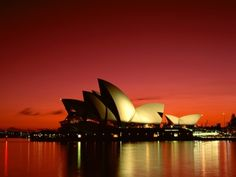 100 Most Famous Landmarks Around the World