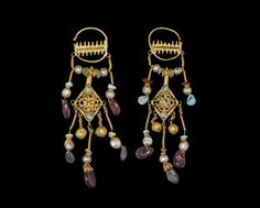 Ancient & Medieval History - Byzantine Gold Earrings, Century With sapphires, turquoise, amethyst and pearls Byzantine Gold, Byzantine Jewelry, Renaissance Jewelry, Medieval Jewelry, Ancient Jewelry, Old Jewelry, Jewelry Art, Antique Jewelry, Jewelry Gifts