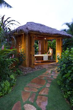Can you imagine a couples massage at one of the Grand Hyatt's outdoor garden spa hales?  www.myvacationlady.com