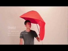 Rain Sheild is a new type of umbrella designed by students Lin Min-Wei and Liu Li-Hsiang.