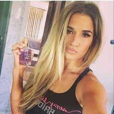 Jessie James Decker's spring hair fragrance, Bless Your Hair in scent Honey Dew is now available! This scent is inspired by springtime nights in the South... The sweet smell of jasmine and hint of pea