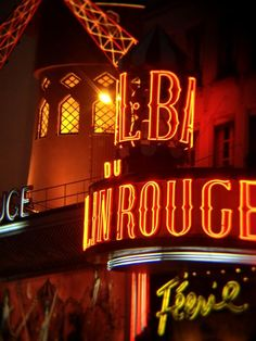 Moulin Rouge - Didn't go in to this one.. We saw the show at Follies Bergiersie