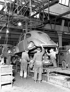 Ensamble línea de montaje, c 1947
