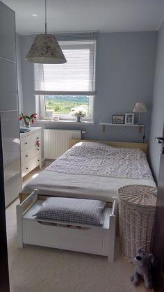Small Room Design Bedroom, Home Room Design, Home Decor Bedroom, Box Room Bedroom Ideas, Small Room Decor, Small Bedroom Inspiration, Small Apartment Bedrooms, Minimalist Room, Bedroom Layouts
