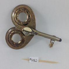 Key 482 one side