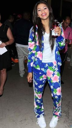Zendaya's Sweet 16 Performance Outfit!
