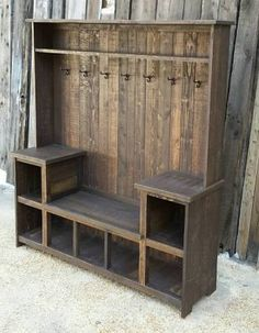 Rustic Reclaimed Hall Tree Bench rustic home decor home ideas home decorating home projects home decoration ideas decorating ideas for home Pallet Furniture, Furniture Projects, Rustic Furniture, Smart Furniture, Pallet Couch, Furniture Plans, Pallet Cushions, Furniture Stores, Furniture Movers