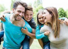 Bei Familien und Kinder-Krankenversicherungen sieht das Krankenversicherungsgesetz genügend Spielraum vor, um Familien finanziell zu entlasten. Dabei spielt die Franchise eine wichtige Rolle, die bei Kindern in der Regel bei 0 Franken angesetzt wird.  Erfahre hier im Bericht mehr: http://www.krankenkasse-wechsel.ch/krankenkassen-kostenbeteiligung-bei-kindern/