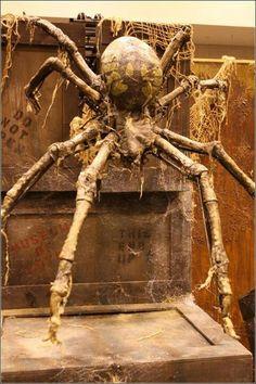 Halloween decorations / IDEAS & INSPIRATIONS Halloween Decorating Inspirations With Skulls and Skeletons - CotCozy