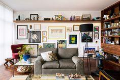 Arquitetura por dentro e por fora. Confira: http://casadevalentina.com.br/projetos/detalhes/arquitetura-dentro-e-fora-550 #decor #decoracao #interior #design #casa #home #house #idea #ideia #detalhes #details #cozy #aconchego #neutral #neutro #casadevalentina #livingroom #saladeestar #art #arte #wood #madeira