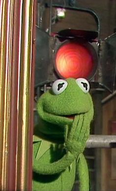 memes kermit the frog drinking tea * memes kermit the frog . memes kermit the frog hilarious . memes kermit the frog drinking tea . memes kermit the frog love Frog Pictures, Funny Profile Pictures, Funny Reaction Pictures, Funny Kermit Memes, Cartoon Memes, Hilarious Memes, Kermit And Miss Piggy, Kermit The Frog, Jim Henson