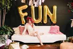 Bachelorette party ideas with Freixenet  100 Layer Cake   Photography: Megan Welker / Beijos Events   Props: Pigment