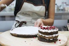 Maková torta s malinovo ružovým krémom Something Sweet, Vanilla Cake, Tiramisu, Bakery, Cheesecake, Food And Drink, Hobbs, Ethnic Recipes, Desserts