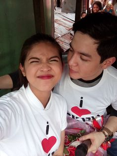 "Alden Richards and Maine Mendoza were in Cebu on Thursday. Aside doing press for their upcoming movie ""My Bebe Love,"" the phenomenal AlDub love team also took their Kalyeserye romance to the street of Cebu. Rose Ann, Maine Mendoza, Alden Richards, Funny Adult Memes, Personal Fan, Something Special, Cebu, Bts Photo, Pinoy"