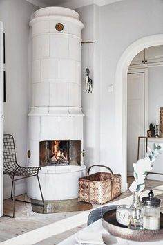 50 Best Swedish Decor: Interior Decor Ideas for You Perfect Home & Apartment Swedish Interiors, Swedish Interior Design, Swedish Decor, Farmhouse Style Bedrooms, New England Homes, Swedish House, Blue Bedroom, Scandinavian Home, Home Living