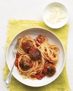 Bring back mom's home-cooking with this classic spaghetti and meatballs recipe. Check out the full recipe here