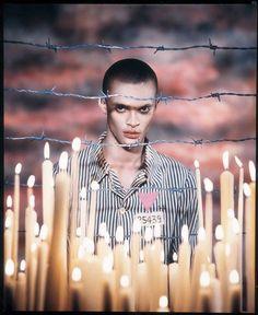 «Le Triangle rose, Laurent Combes, 1993». Hommage aux homosexuels morts dans les camp de concentration, inspiré d'une image pieuse de Ma...