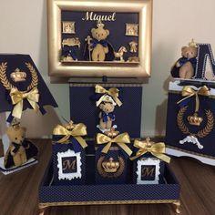 Kit higiene ursinho príncipe ,em mdf,todo revestido tecido,detalhes dourado,feito por encomenda na cor desejada. Polymer Clay Disney, Knitted Cushion Covers, Decorating Flip Flops, Kit Bebe, Baby Frame, Baby Kit, Diy Letters, Baby Room Decor, Unique Baby