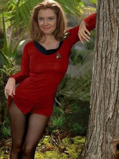 "Emily Banks as Yeoman Tonia Barrows ""the temptress"" from the Star Trek(TOS)episode ""Shore Leave"". Star Trek Cosplay, Star Trek Enterprise, Emily Banks, Star Trek Tos Episodes, Film Science Fiction, Star Trek Crew, Star Trek Images, Star Trek Characters, Star Trek Original Series"