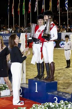 PRINCESS CAROLINE AWARDS PRIZE TO HER DAUGHTER CHARLOTTE CASIRAGHI, PRIZE WINNER IN MONACO ~ Charlotte Casiraghi won the Longines Pro-Am Cup Monaco 2014 with Edwina Tops-Alexander. In the International Monte-Carlo Jumping Competition in the Port Hercule in Monaco