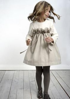 moda infantil y mas - labube Gorgeous cute little girls beige and cream dress