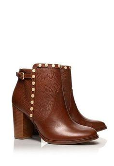 dc5bfce41 Studded booties by Tory Burch Sandálias De Dedo, Sapatos Lindos, Sapatos  Femininos, Sapatilhas