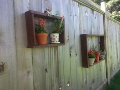 Fence shelves from pallets Pinterest Projects, Pallets, Floating Shelves, Fence, Home Decor, Homemade Home Decor, Popsicles, Wall Mounted Shelves, Palette