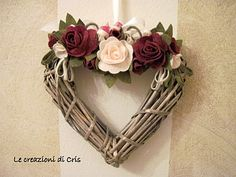 i'll use paper cane Door Wreaths, Grapevine Wreath, Craft Gifts, Diy Gifts, Hearts And Roses, Wicker Hearts, Wedding Wreaths, Idee Diy, Heart Wreath