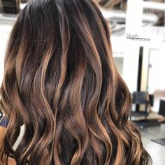"""@cynlovesbalayage) on Instagram: """"It's all about the fall tones right now and I am in love! Knowing where to add depth and richness to a summer blonde is just as important as where brightness is added. Transitional colors are gorgeous but remember ladies....throwing on a dark box color is NOT the way to go! Leave those transitions to the pros please. Some times a 2nd or 3rd session is required for the deeper tones to """"stick"""". The whole color wheel gang gets involved and that's def a pro…"""