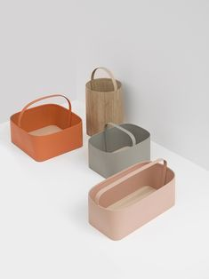 Baskets is a modern basket design created by Oregon-based designers Studio Gorm. Modern Baskets, Chaise Vintage, Co Working, Paperclay, Industrial Design, Home Accessories, Designer, Modern Design, Minimalist Design