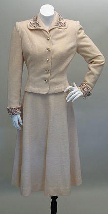 Vintage 1940s Ladies Cream Wool Beaded Suit Sz XS - S