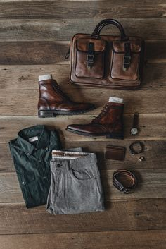 Men's Business Outfits, Business Casual Outfits, Mens Boots Fashion, Plaid Fashion, Winter Fashion, Mens Wingtip Boots, Teen Boy Fashion, Guy Fashion, British Style Men