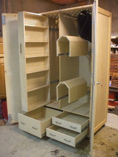 Tack Box, notice the slides!  Pull-out slide for bridles, saddles,and products...See other photos on site!