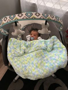 Bouncer Swing, Cute Baby Pictures, Baby Car Seats, Cute Babies, Gucci, Children, Blouses, Young Children, Boys
