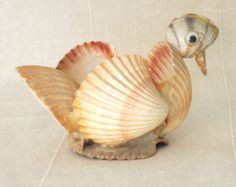 Check out our sea shell art selection for the very best in unique or custom, handmade pieces from our wall décor shops. Seashell Ornaments, Seashell Art, Seashell Crafts, Shell Animals, Seashell Projects, Driftwood Projects, Driftwood Art, Shell Decorations, Sea Crafts