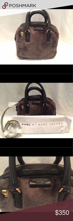 NWOT MARC BY MARC JACOBS Real Lamb Sheerings Brand new, never carried Marc by Marc Jacobs real lamb sheerings bag with original packaging and dust bag. Marc by Marc Jacobs Bags Satchels